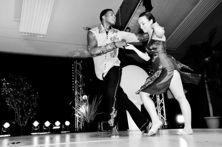 #Étés 2012 – ASI SE GOZA : Pour la danse de l'été, osez le courant alternatif avec la guifette !